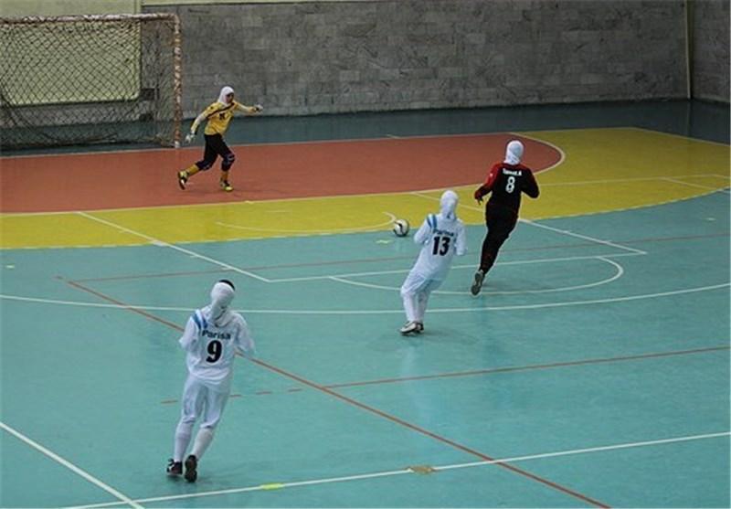 لیگ برتر فوتسال بانوان، توقف حفاری برابر دختران کویر