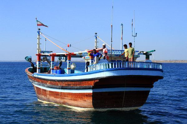 2 تن صید غیرمجاز در آبهای کیش کشف شد، توقیف 2 لنج صیادی با21خدمه