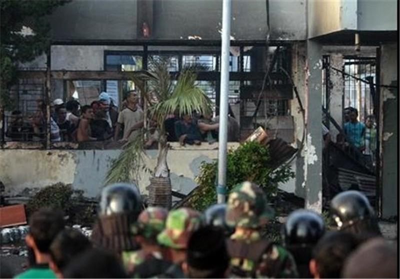 ده ها زندانی در اندونزی فرار کردند