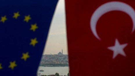 عدم حمایت سراسری از قطع صادرات تسلیحاتی اتحادیه اروپا به ترکیه