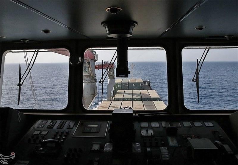 کشتی نجات در آستانه ورود به اقیانوس هند