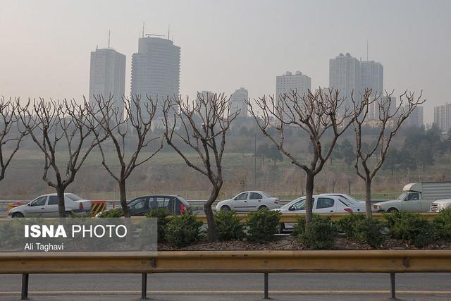 افزایش غلظت آلاینده ها در بعضی مناطق پایتخت طی روز آدینه