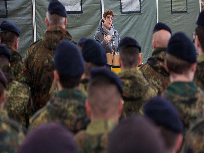 خبرنگاران اعلام امادگی ارتش آلمان برای مقابله با کرونا