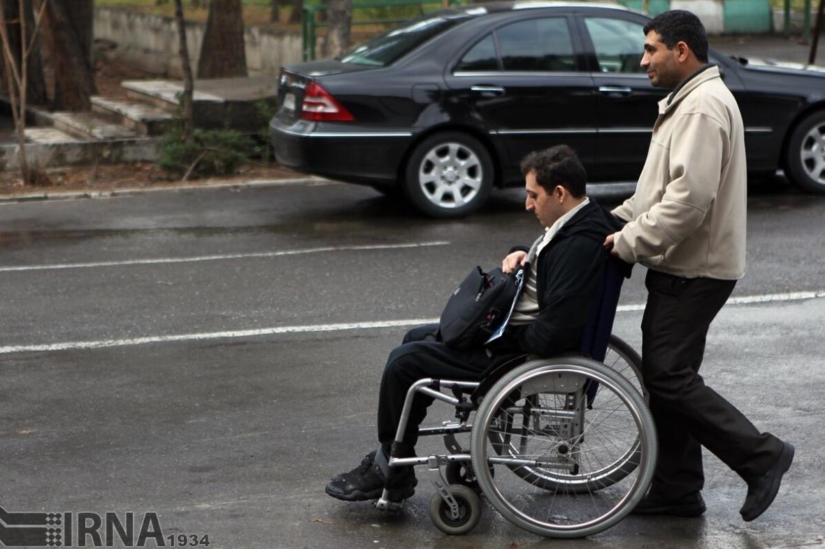 خبرنگاران معلولان ایلامی یاری هزینه تامین لوازم بهداشتی دریافت کردند