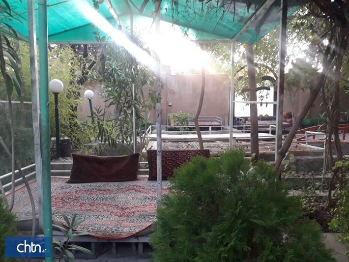 یک سفره خانه سنتی در شهرستان زرقان افتتاح شد