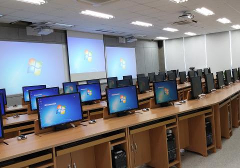 اتصال 40 هزار مدرسه به شبکه هوشمندسازی