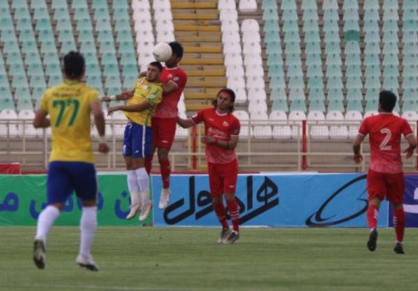 لیگ برتر فوتبال، تساوی تراکتور و صنعت نفت در 45 دقیقه نخست