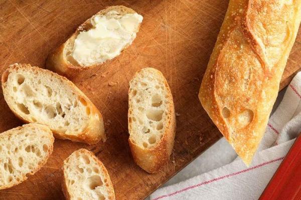 طرز تهیه نان باگت خانگی